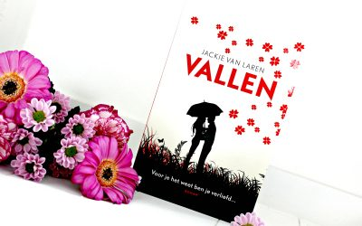 Boekrecensie | Vallen – Jackie van Laren